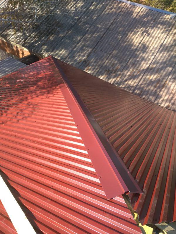 перестелить крышу профнастилом